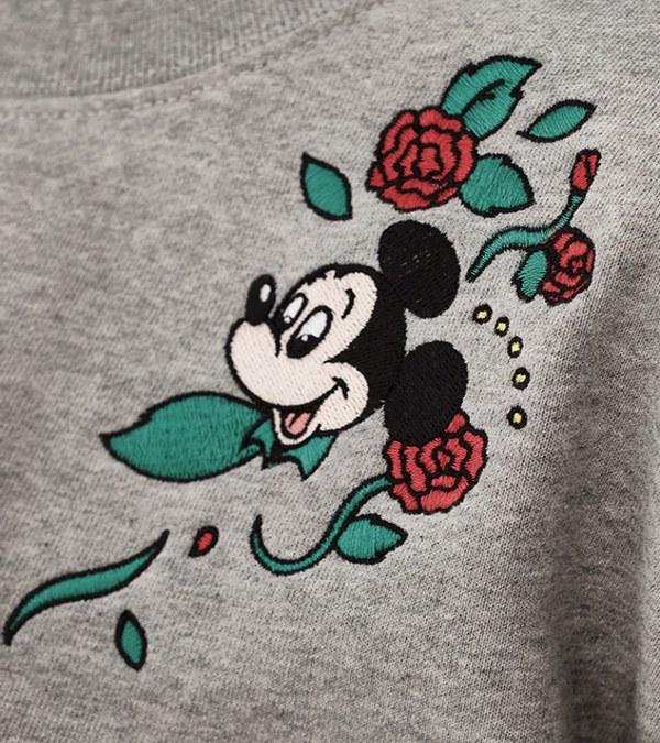 CRV0029W Mickey 女款花朵刺繡短版衛衣
